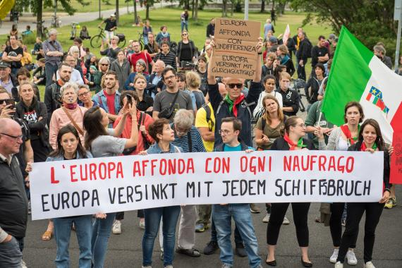 Demonstration für die Kapitänin Carola Rackete, Juni 2019